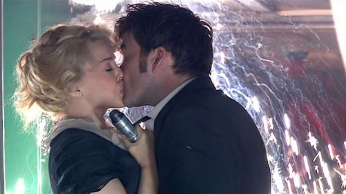 Doctor Who Voyage Of The Damned The Kiss